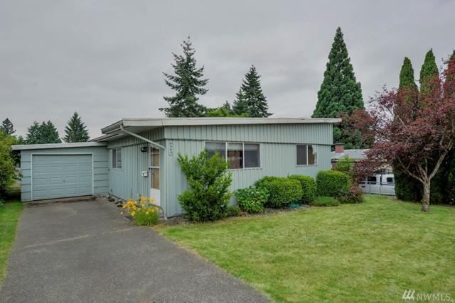 2303 NE 7th St, Renton, WA 98056 (#1151488) :: Ben Kinney Real Estate Team