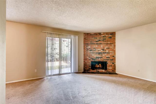 12424 NE 145th St C10, Kirkland, WA 98034 (#1164241) :: Real Estate Solutions Group