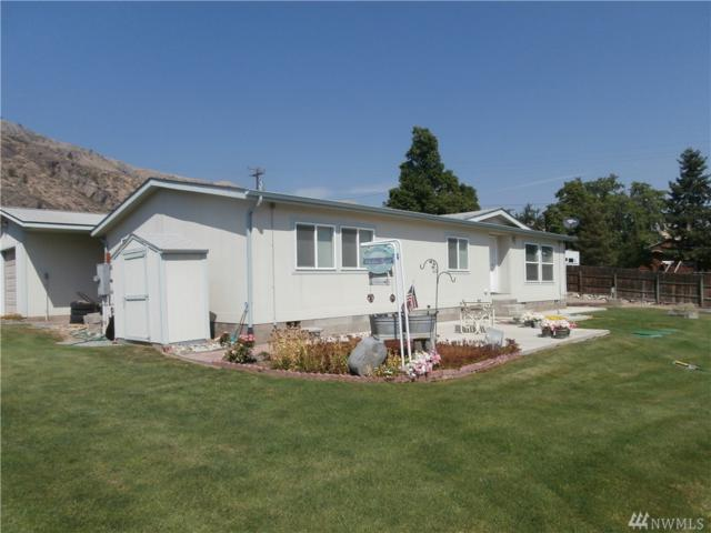 623 4th St, Chelan Falls, WA 98817 (#1179561) :: NW Home Experts