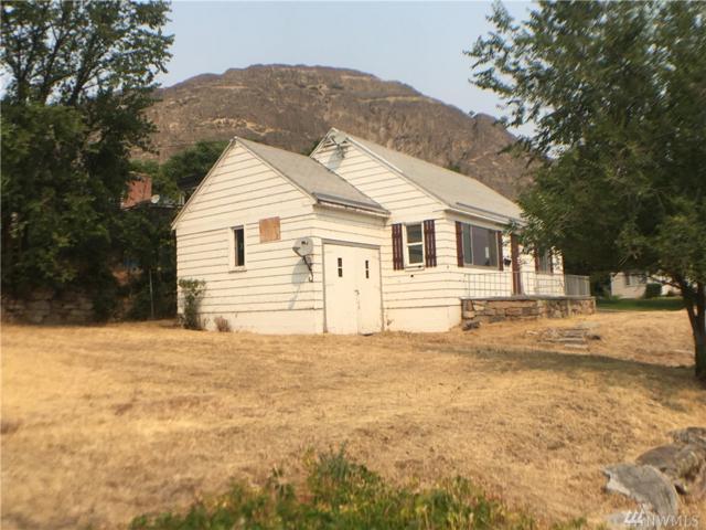 210 Stevens Ave, Coulee Dam, WA 99116 (#1179950) :: Ben Kinney Real Estate Team