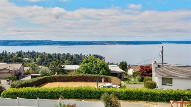 1751 57th St Ne, Tacoma, WA 98422 (#1180500) :: Homes on the Sound