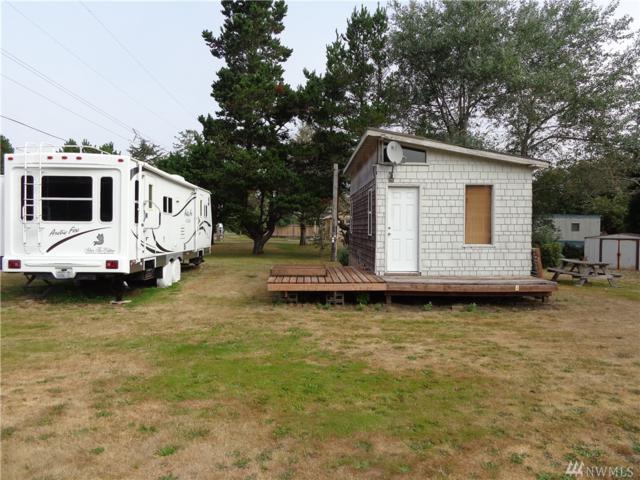 1676 W 2nd St, Grayland, WA 98547 (#1182891) :: Ben Kinney Real Estate Team