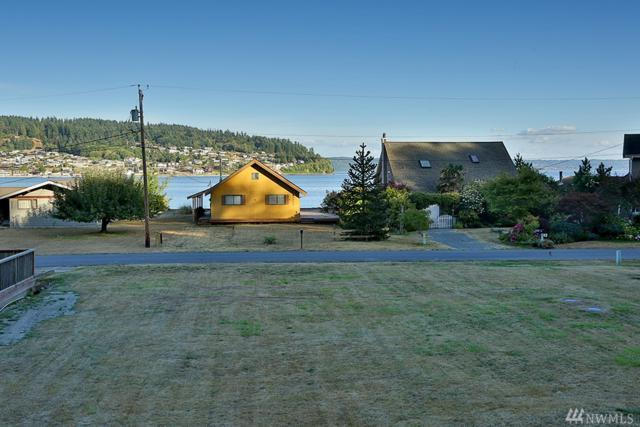 3697 Driftwood Dr, Clinton, WA 98236 (#1185220) :: Homes on the Sound