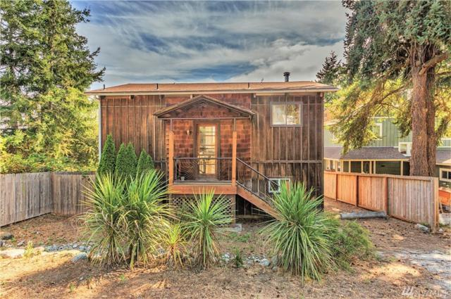 2120 Holcomb St, Port Townsend, WA 98368 (#1186300) :: Ben Kinney Real Estate Team