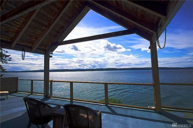 1054 SW Camano Dr, Camano Island, WA 98282 (#1189268) :: Ben Kinney Real Estate Team