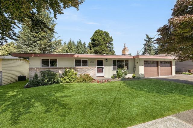 2708 NE 24th St, Renton, WA 98056 (#1193388) :: Ben Kinney Real Estate Team
