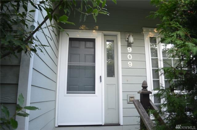 909 31st Place, Bellingham, WA 98225 (#1195471) :: Ben Kinney Real Estate Team