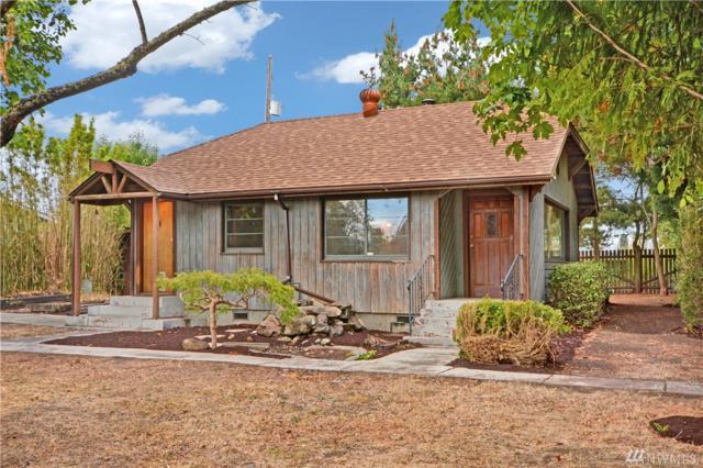 1825 SW 110th St, Seattle, WA 98146 (#1196428) :: Ben Kinney Real Estate Team
