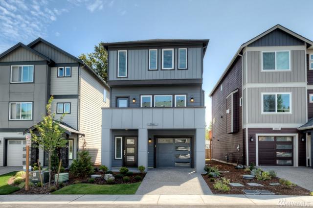 2102 131st St SW #13, Everett, WA 98204 (#1196691) :: Ben Kinney Real Estate Team