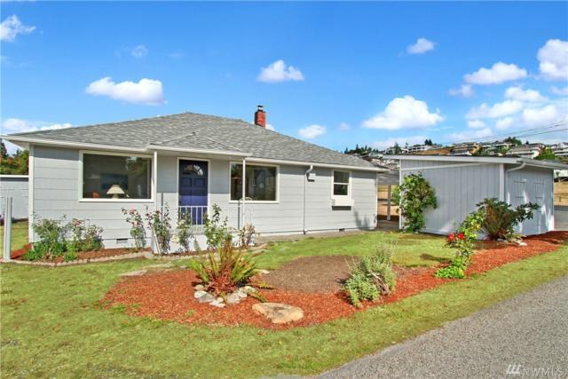 207 Tarragon Ave, Camano Island, WA 98282 (#1197086) :: Kimberly Gartland Group