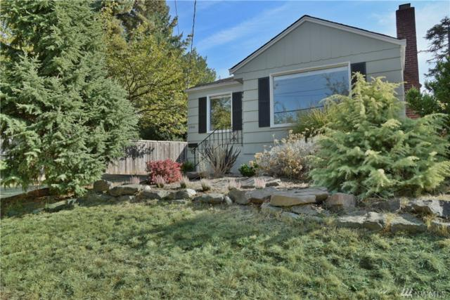 6846 24th Ave NE, Seattle, WA 98115 (#1198966) :: Ben Kinney Real Estate Team