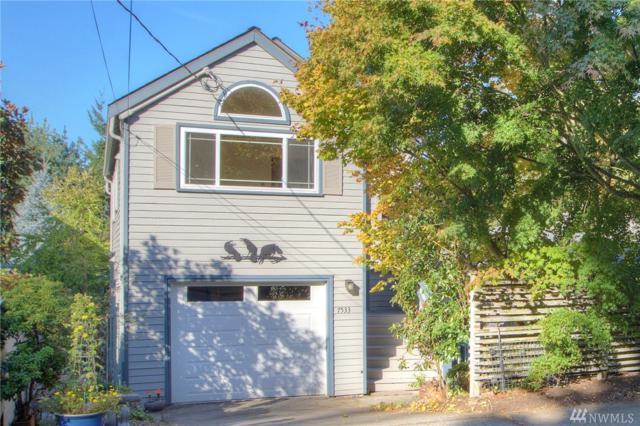 7533 30th Ave NE, Seattle, WA 98115 (#1203278) :: Ben Kinney Real Estate Team