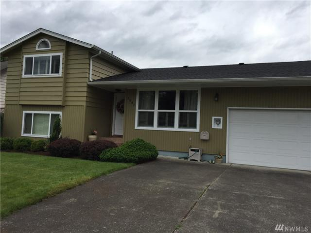 2641 42nd Ave, Longview, WA 98632 (#1203509) :: Homes on the Sound