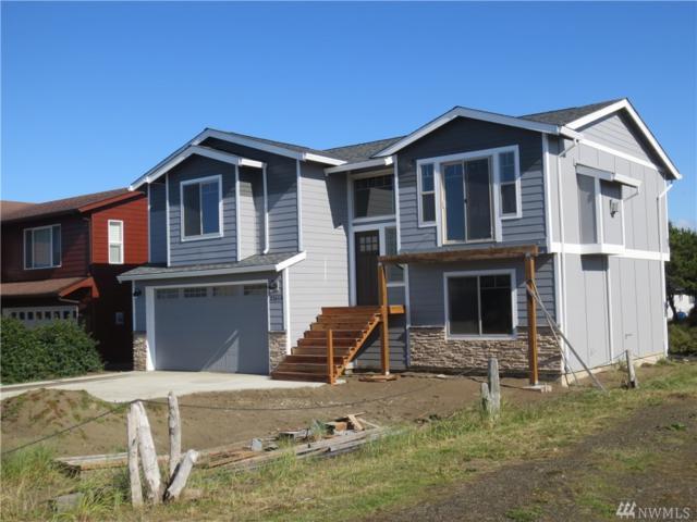 32614 G St, Ocean Park, WA 98640 (#1206250) :: Ben Kinney Real Estate Team