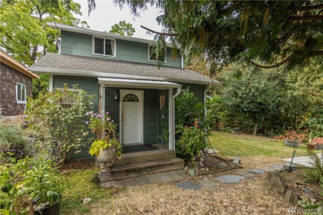 3809 19th Ave SW, Seattle, WA 98106 (#1206813) :: Ben Kinney Real Estate Team