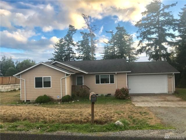 1601 Stephen St, Oak Harbor, WA 98277 (#1206905) :: Pettruzzelli Team