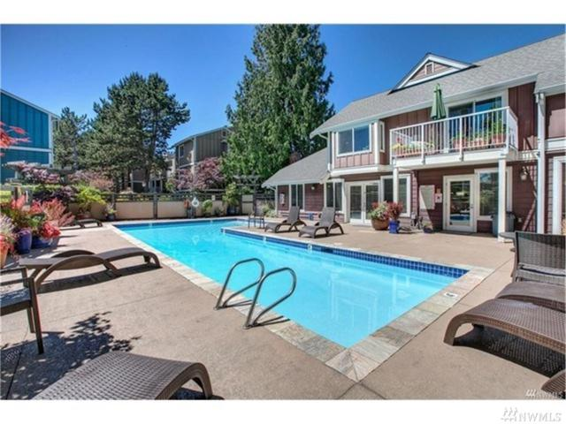 300 N 130th St #2305, Seattle, WA 98133 (#1206936) :: Ben Kinney Real Estate Team