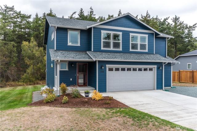 988 Walker Heights Place, Oak Harbor, WA 98277 (#1207016) :: Pettruzzelli Team