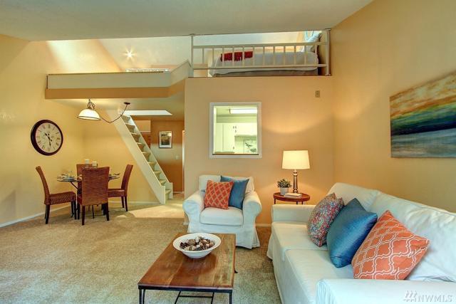19857 25th Ave NE #303, Shoreline, WA 98155 (#1207096) :: Ben Kinney Real Estate Team