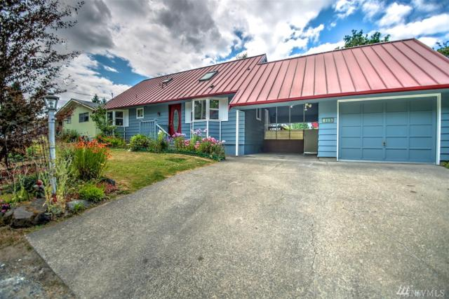 3313 Meadow Ave N, Renton, WA 98056 (#1207357) :: Ben Kinney Real Estate Team