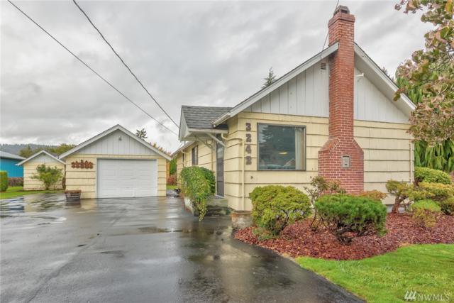 3242 Oak St, Longview, WA 98632 (#1207395) :: Ben Kinney Real Estate Team