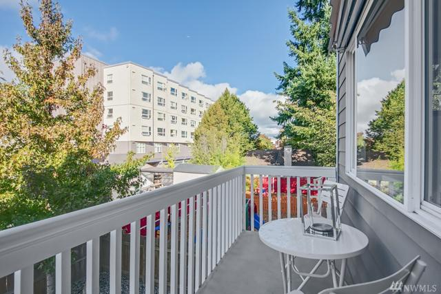 12723 35th Ave NE C, Seattle, WA 98125 (#1207711) :: The Kendra Todd Group at Keller Williams