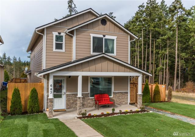 643 NW Oxford Place, Oak Harbor, WA 98277 (#1207781) :: Ben Kinney Real Estate Team