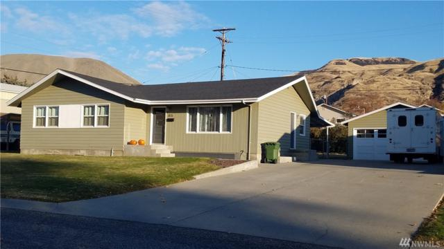 805 Spruce, Coulee Dam, WA 99116 (#1218811) :: Homes on the Sound