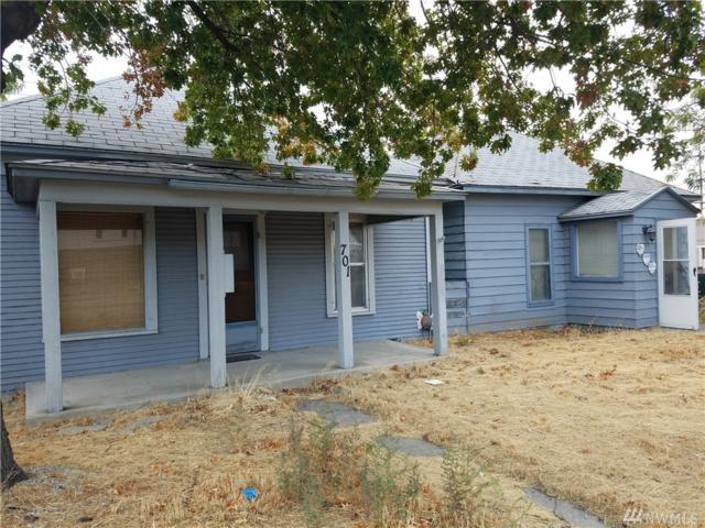 703 S Mission St, Wenatchee, WA 98801 (#1218997) :: Nick McLean Real Estate Group