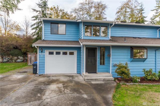 1258 NW Lanyard Lp #2, Oak Harbor, WA 98277 (#1220569) :: Keller Williams Everett