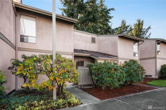 10045 NE 138th Place E-2, Kirkland, WA 98034 (#1224117) :: The DiBello Real Estate Group