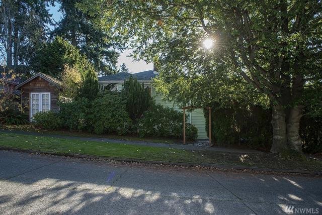 3005 NE 62nd St, Seattle, WA 98115 (#1224900) :: Ben Kinney Real Estate Team
