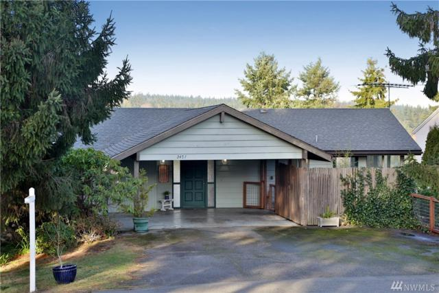 2457 Soundview Dr, Langley, WA 98260 (#1226500) :: Homes on the Sound
