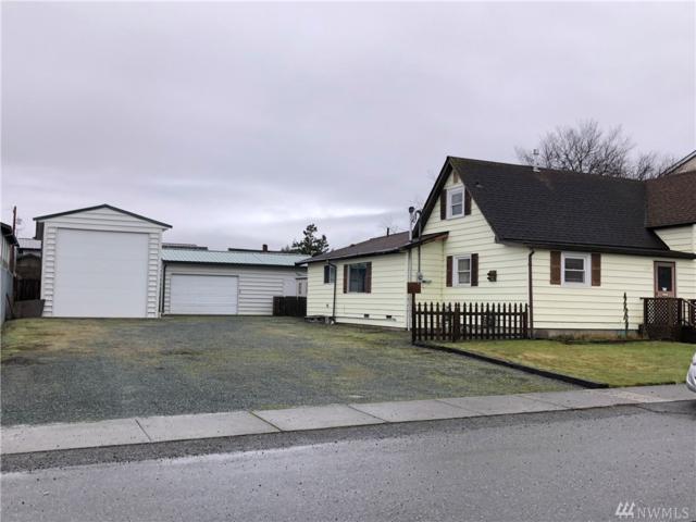 1019 26th Street, Anacortes, WA 98221 (#1231460) :: Ben Kinney Real Estate Team