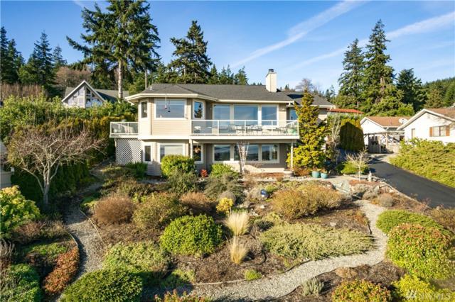 2261 Cove Drive, Oak Harbor, WA 98277 (#1232045) :: Homes on the Sound