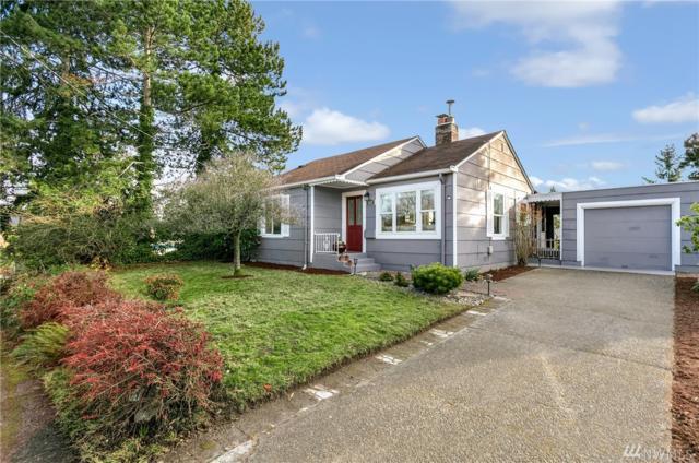 917 NE 113th St, Seattle, WA 98125 (#1232389) :: Alchemy Real Estate