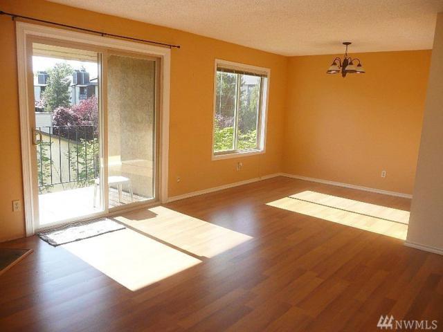 14510 124th Ave NE I-65, Kirkland, WA 98034 (#1235369) :: Ben Kinney Real Estate Team