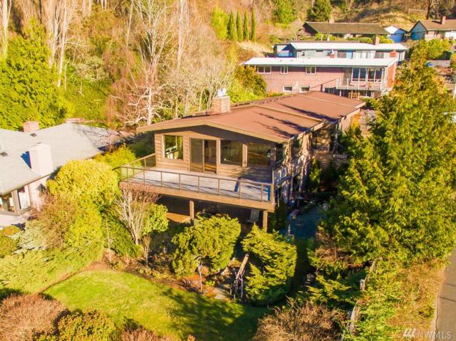 4106 SW Arroyo Ct, Seattle, WA 98146 (#1235963) :: Homes on the Sound