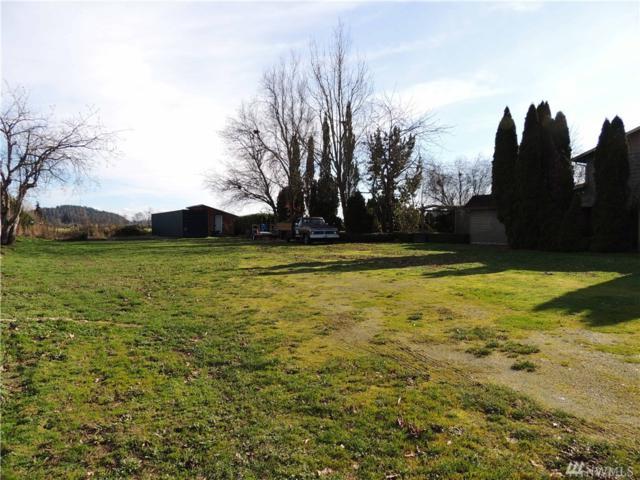 711 Maple St, La Conner, WA 98257 (#1236935) :: Homes on the Sound