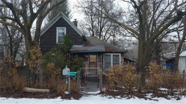 911 1st Ave S, Okanogan, WA 98840 (#1237154) :: The Vija Group - Keller Williams Realty