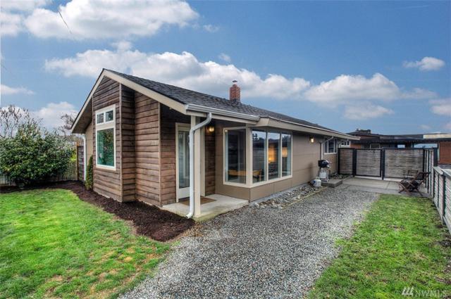 2206 Walnut Ave SW, Seattle, WA 98116 (#1244841) :: The DiBello Real Estate Group