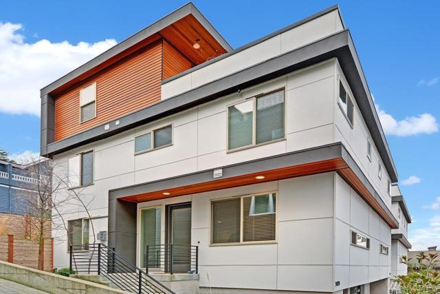 3433-B 22nd Ave W, Seattle, WA 98199 (#1246878) :: Keller Williams - Shook Home Group