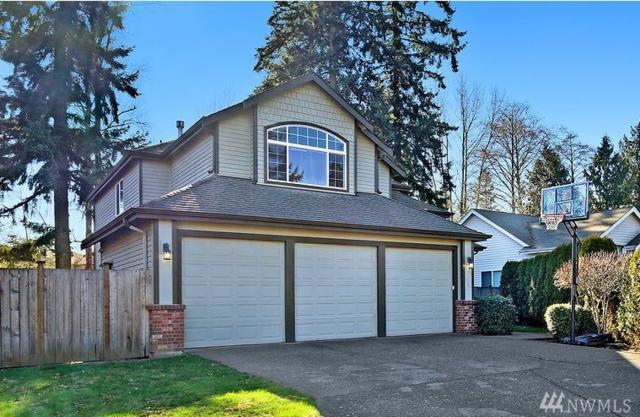4702 219th St SW, Mountlake Terrace, WA 98043 (#1247313) :: The DiBello Real Estate Group
