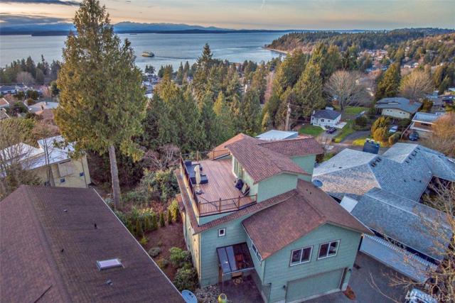 4326 SW Roxbury St, Seattle, WA 98136 (#1247657) :: Homes on the Sound