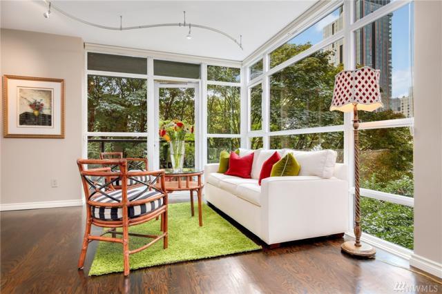 1420 Terry Ave #301, Seattle, WA 98101 (#1248266) :: The DiBello Real Estate Group