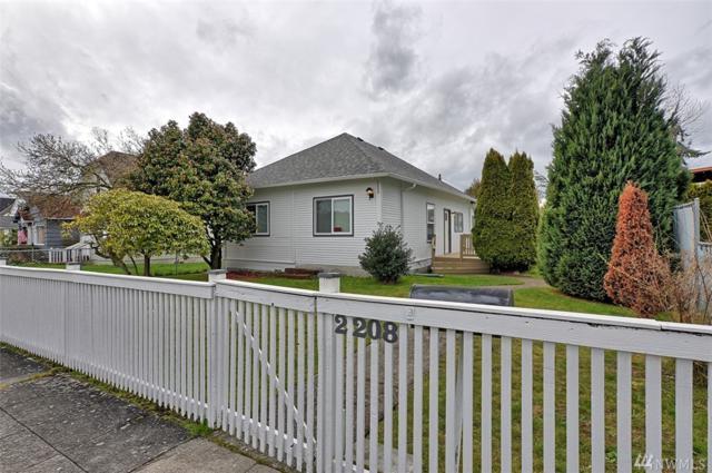 2208 Cedar St, Everett, WA 98201 (#1256915) :: The Vija Group - Keller Williams Realty