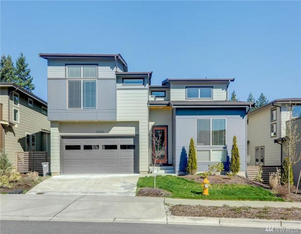 5202 NE 11th Place, Renton, WA 98059 (#1257522) :: The Vija Group - Keller Williams Realty