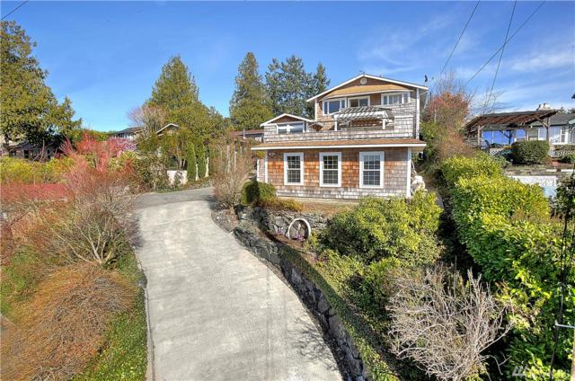 2201 Day Island Blvd W, University Place, WA 98466 (#1262001) :: The Kendra Todd Group at Keller Williams