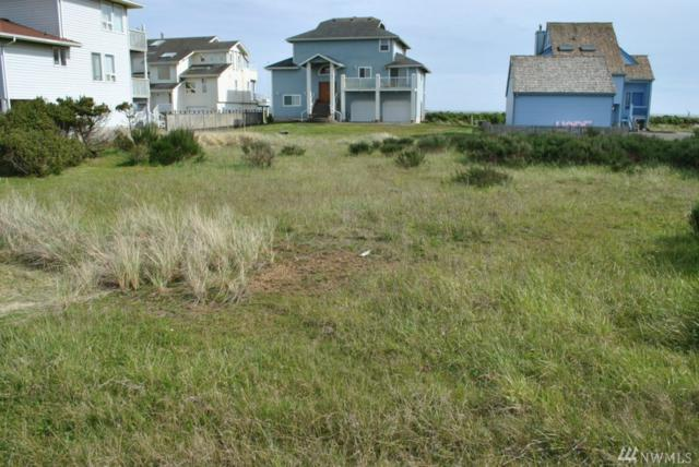 1461 Ocean Crest Ave SW, Ocean Shores, WA 98569 (#1263380) :: Keller Williams Everett