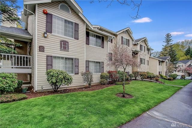 19230 Lake Forest Park Dr NE H-126, Lake Forest Park, WA 98155 (#1271369) :: The Mike Chaffee Team